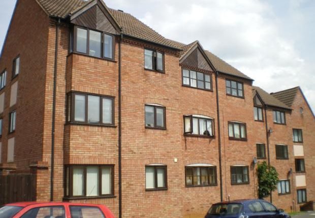 2 bed flat to rent in Spencer Court, Station Road NN10