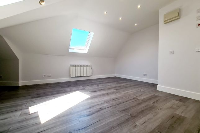 1 bed flat to rent in Purley Parade, London CR8