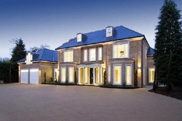 Thumbnail Property to rent in Hersham, Walton-On-Thames
