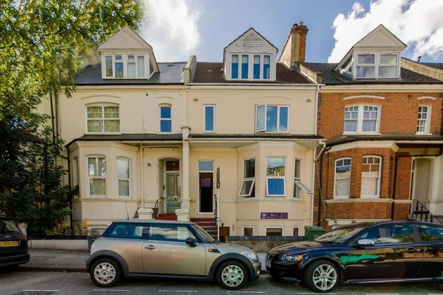 3 bed flat to rent in Sumatra Road, London
