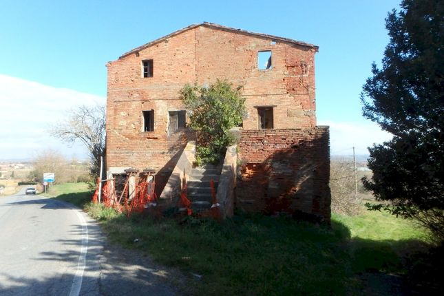 Farmhouse for sale in Via Del Belvedere, Montepulciano, Siena, Tuscany, Italy