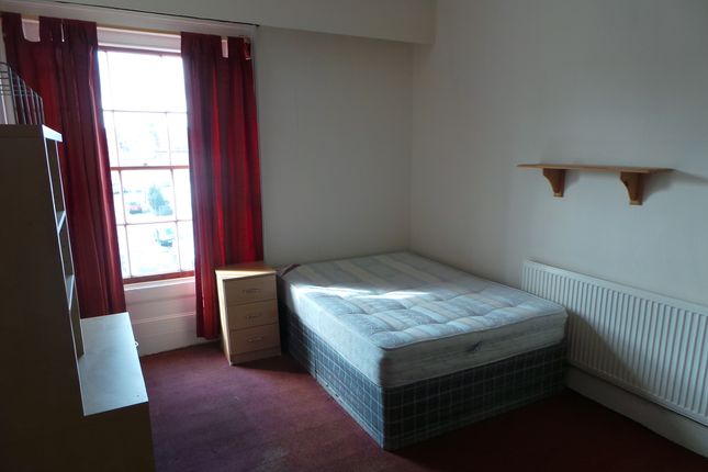 Thumbnail Flat to rent in 15 High St, Leamington Spa
