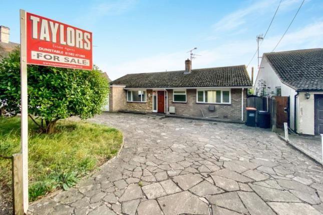 Thumbnail Bungalow for sale in Castle Hill Road, Totternhoe, Dunstable, Bedfordshire