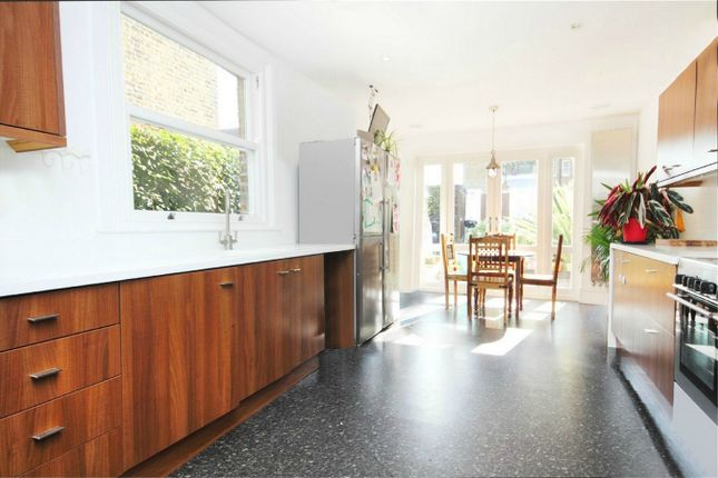 5 bed terraced house to rent in Nemoure Road, London