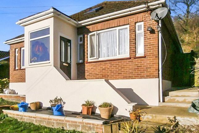 Thumbnail Bungalow to rent in Princes Avenue, Chatham, Kent