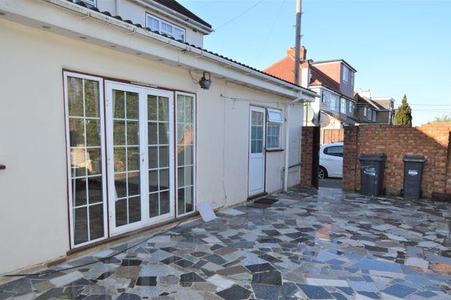 Thumbnail Flat to rent in Uxbridge Road, Feltham