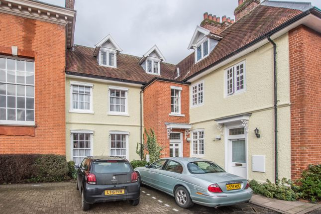 3 bed town house to rent in Chauncy Court, Hertford SG14