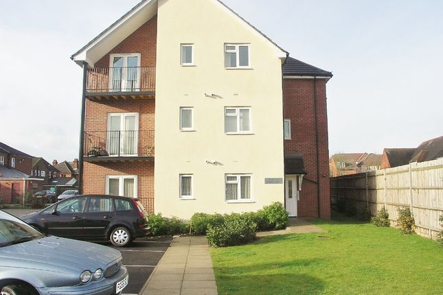 Thumbnail Flat to rent in Cresbee Court, Toynbee Road, Eastleigh