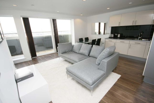 Thumbnail Flat to rent in Number One, Media City Uk, Salford