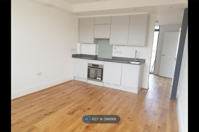 Thumbnail Flat to rent in Woodrow, London
