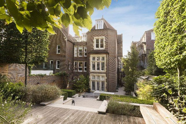 Thumbnail Flat to rent in Netherhall Gardens, London