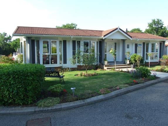 Thumbnail Bungalow for sale in Burwash Park, Fontridge Lane, Etchingham