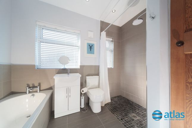 Bathroom of Latrigg Road, Aigburth L17