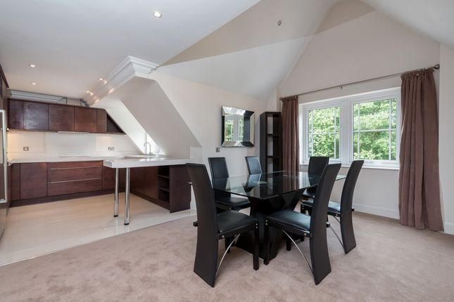 Thumbnail Flat to rent in Portsmouth Road, Esher