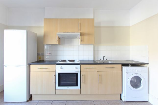 Thumbnail Flat to rent in Angles Road, Streatham