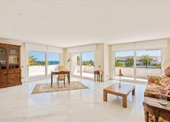 Apartment for sale in Av De España, 11, 29604 Marbella, Málaga, Spain