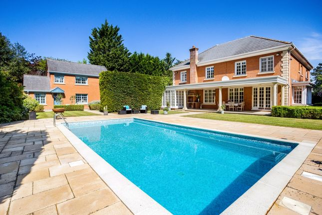 Thumbnail Flat to rent in Cross Road, Sunningdale, Ascot