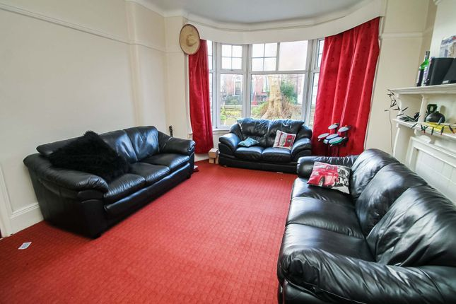 Thumbnail Semi-detached house to rent in St. Michaels Villas, Headingley, Leeds