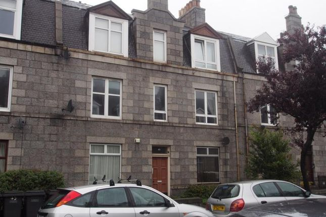 Thumbnail Flat to rent in Balmoral Place, Aberdeen
