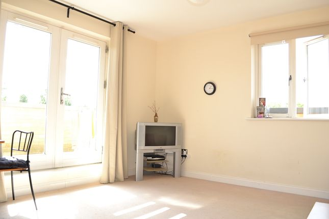 Thumbnail Flat to rent in Kings George Crescent, Wembley