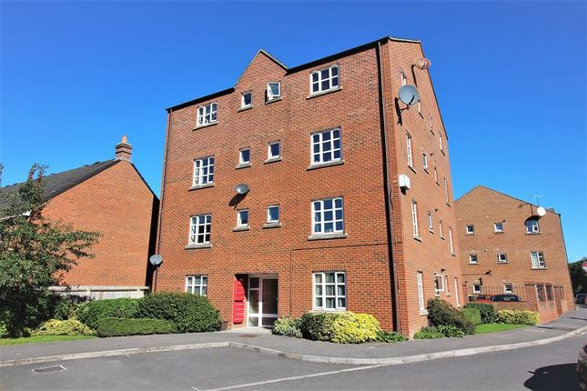 Thumbnail Flat to rent in Massingham Park, Taunton