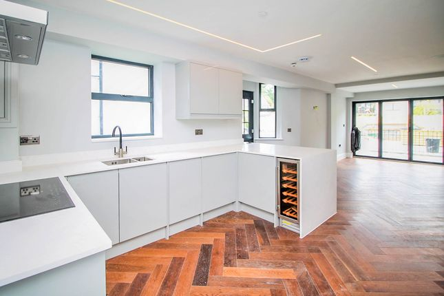 Thumbnail Maisonette for sale in Cathedral Road, Pontcanna, Cardiff