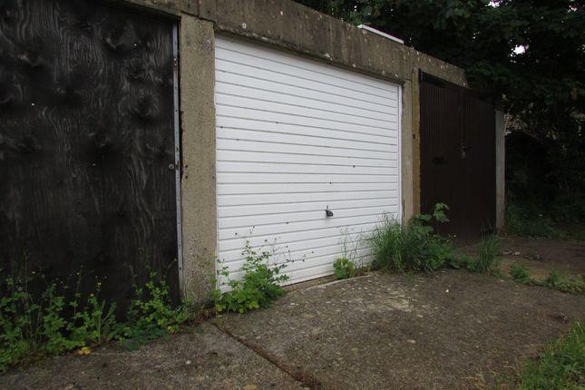 Parking/garage for sale in Dover Avenue, Banbury