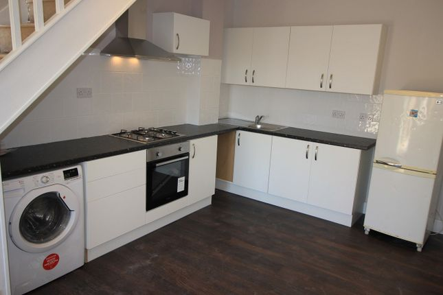 Thumbnail Flat to rent in Alleyn Park, Southall