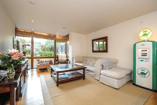Thumbnail Flat to rent in Lymington Road, London NW6,