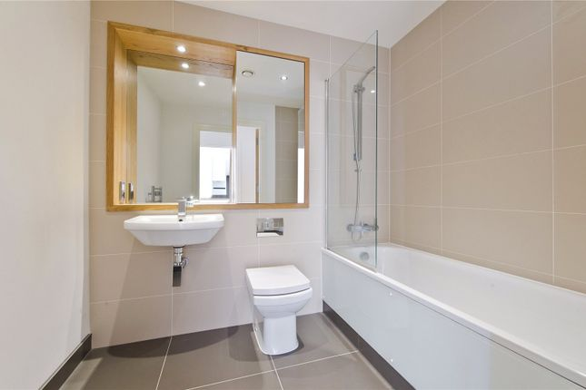 Bathroom of Jubilee Court, 20 Victoria Parade, Greenwich, London SE10