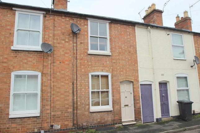 Thumbnail Terraced house for sale in Sanctus Road, Stratford-Upon-Avon