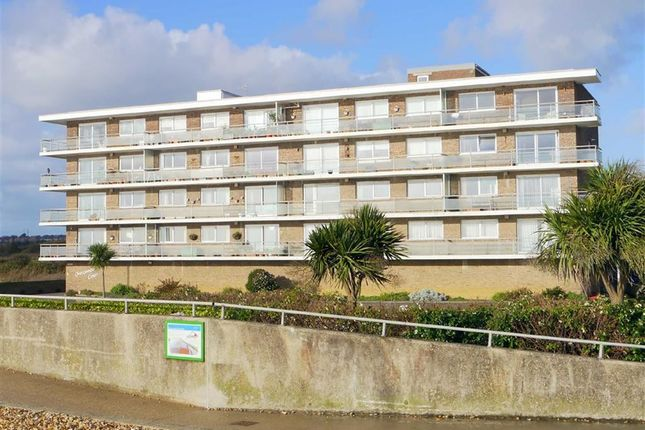 Thumbnail Flat to rent in Overcombe Crt, Weymouth, Dorset