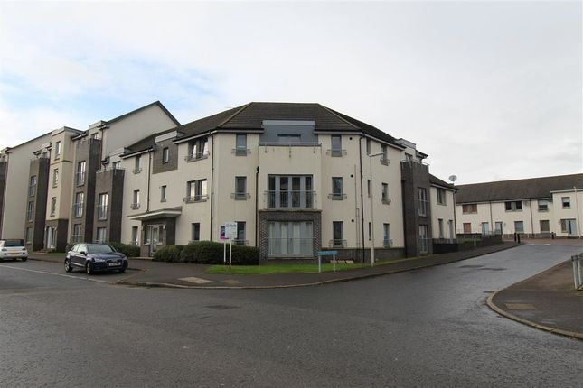 1 bed flat to rent in Crookston Court, Larbert FK5