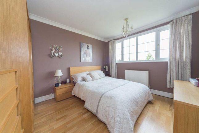 Master Bedroom of Blacksmiths Common, Chalton, Luton LU4