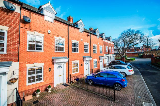 Thumbnail Town house for sale in Heritage Court, Kettering