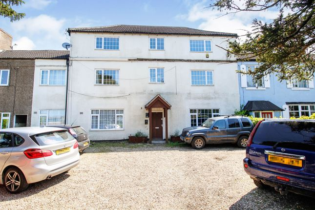 Thumbnail Flat for sale in Scawby Road, Scawby Brook, Brigg