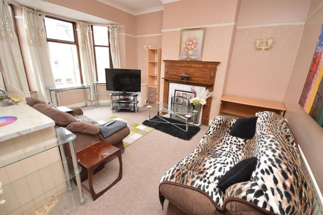 2 bed flat to rent in The Crescent, West Kirby, Wirral