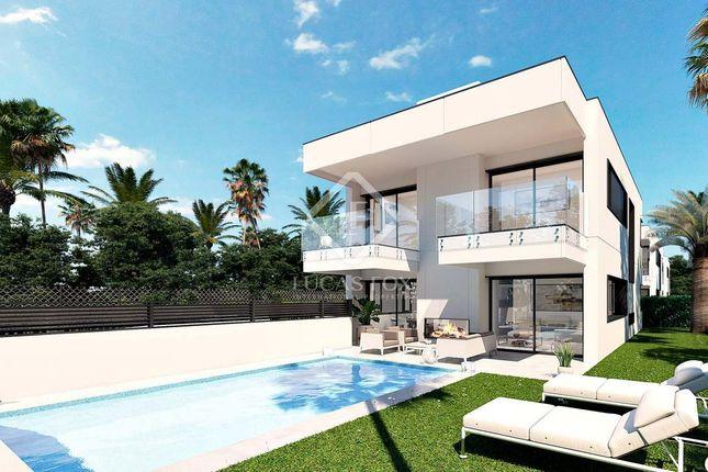 Villa for sale in Spain, Costa Del Sol, Marbella, Puerto Banús, Mrb17919