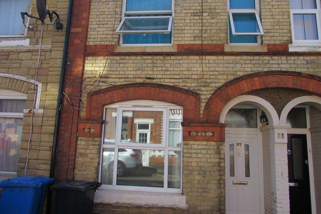 Thumbnail Terraced house to rent in Oakley Street, Kettering