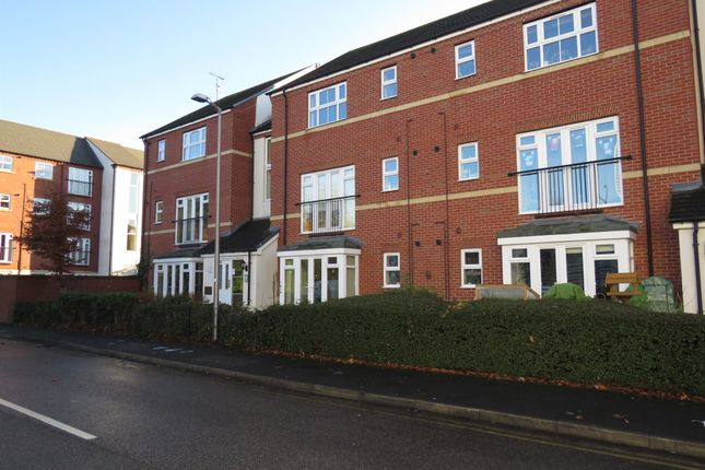 Thumbnail Flat for sale in Huxley Court, Stratford-Upon-Avon