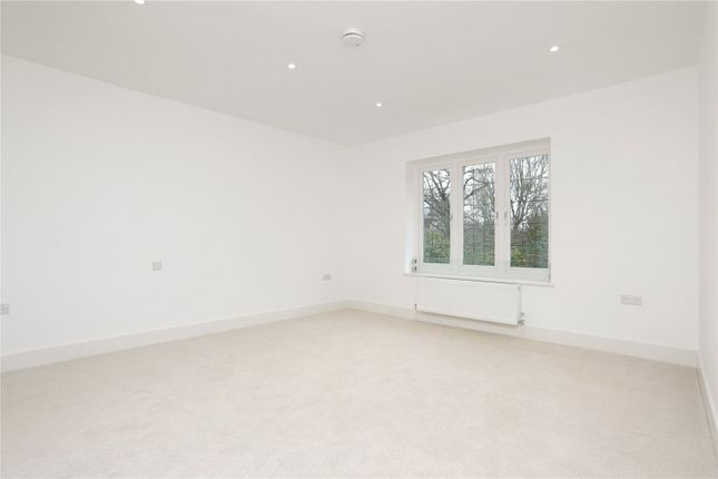 Picture No. 27 of Oakfield Road, Ashtead, Surrey KT21