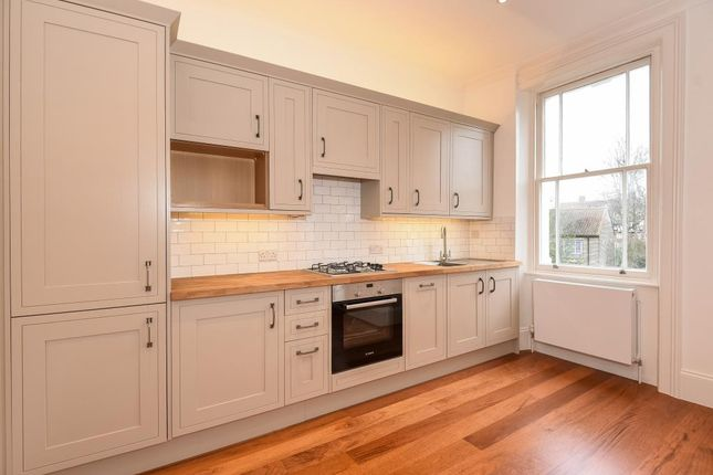 2 bed flat to rent in First Floor Flat, London