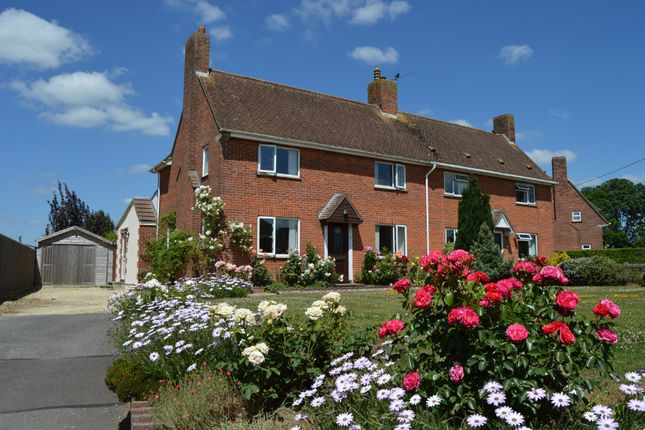 Thumbnail Semi-detached house for sale in Witchfield, East Stour, Gillingham