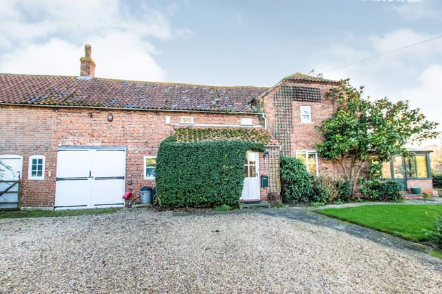 Thumbnail Barn conversion for sale in Manor Road, Easthorpe, Nottingham