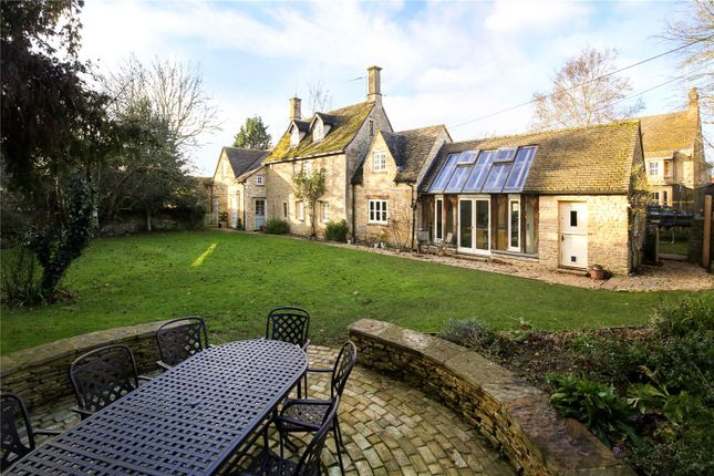 Picture No. 12 of The Green, Fairford, Gloucestershire GL7