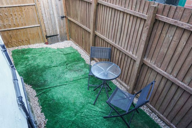 Garden of Finsbury Avenue, Nottingham NG2