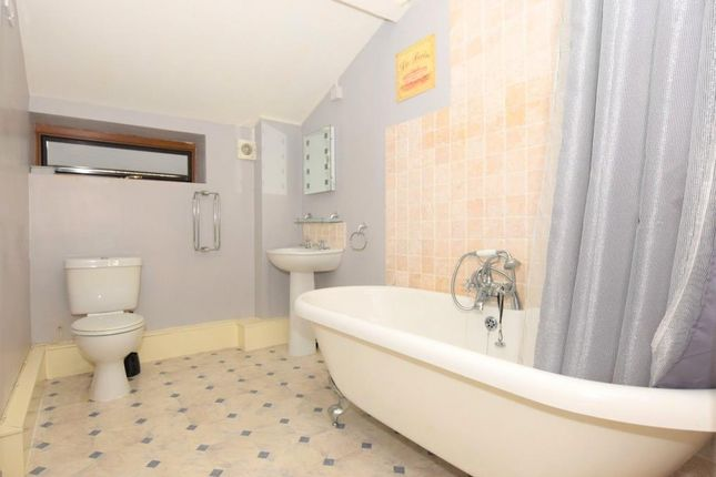 Bathroom of Blakes Park, Liskeard, Cornwall PL14