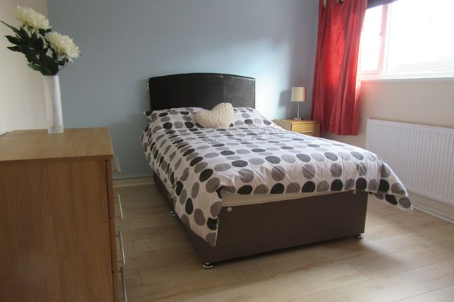 Thumbnail Room to rent in Campion Close, Room 4, Coventry
