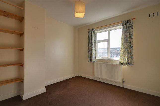 Bed 2 B of Featherbank Terrace, Horsforth, Leeds LS18