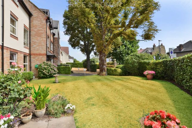 Thumbnail Bungalow for sale in Queens Road, London